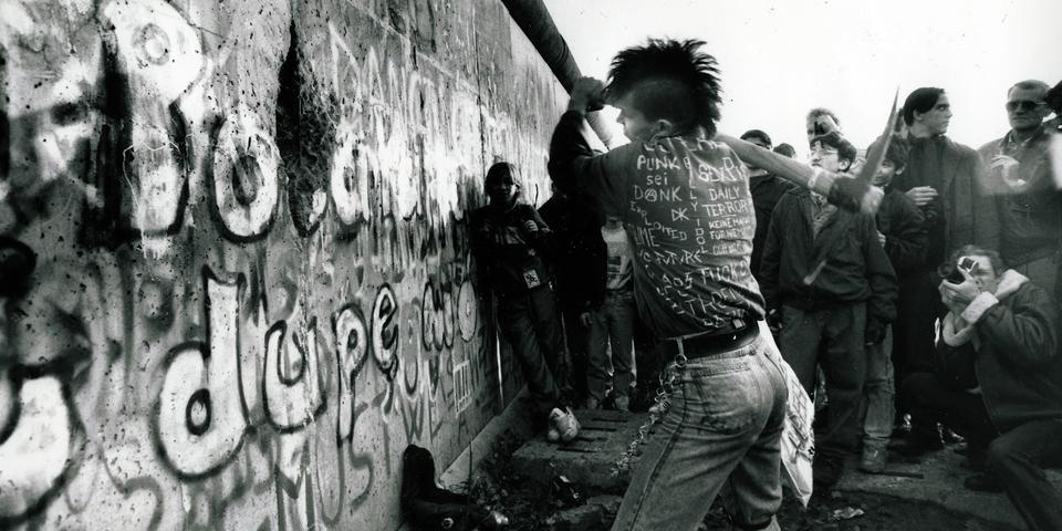 Anarchy in the E U: East German Punk - Europavox