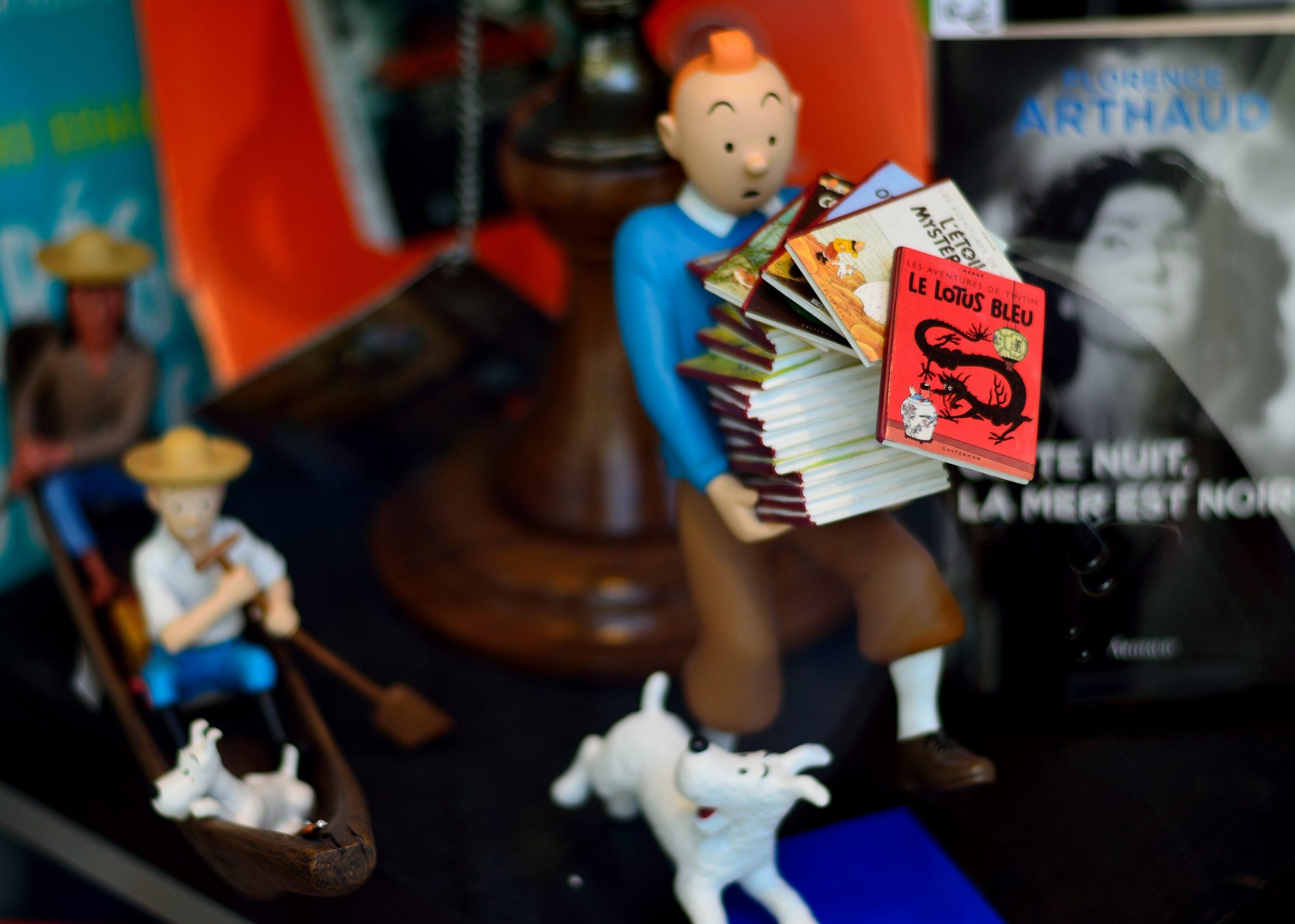Embark on Tintin spaceship to the Moon